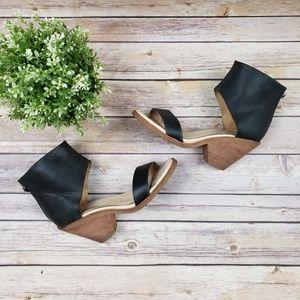 KOOLABURRA Peonie Black Leather Sandals